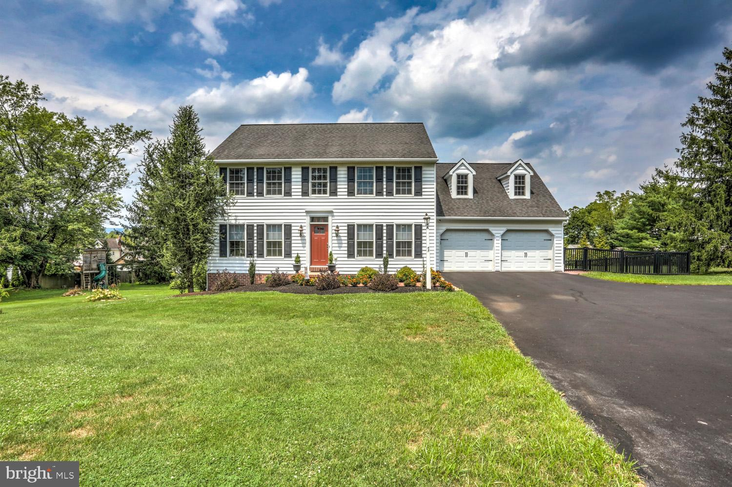 45 CLEARVIEW DRIVE, REINHOLDS, PA 17569