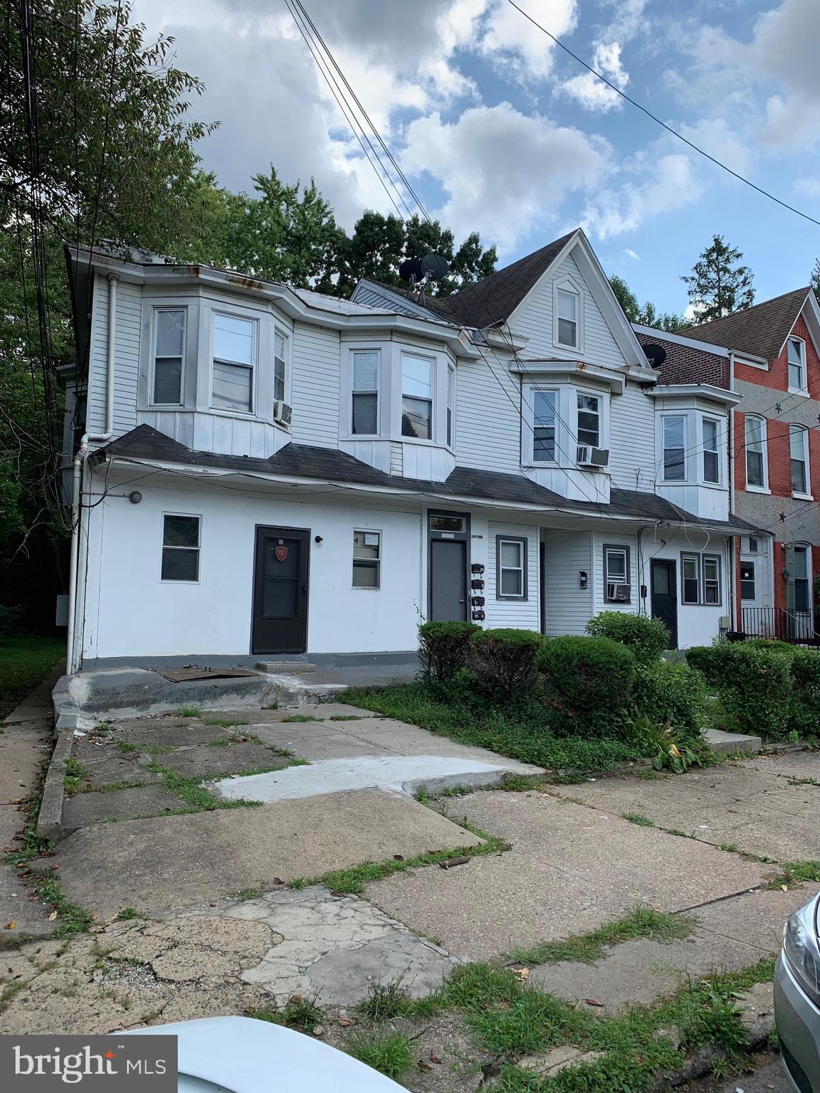 276 HILLCREST AVENUE, TRENTON, NJ 08618