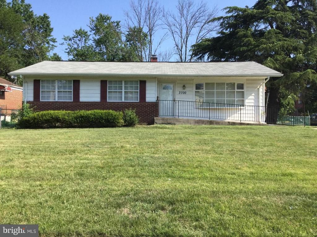 Three bedroom, 2 full bathroom rancher.               Updated basement with recessed lighting, full     bathroom, and two extra rooms for an office or a play room. Pets allowed, case by case basis.          Tenant must pay pet deposit per pet. Application fee $45.00 per  applicant.