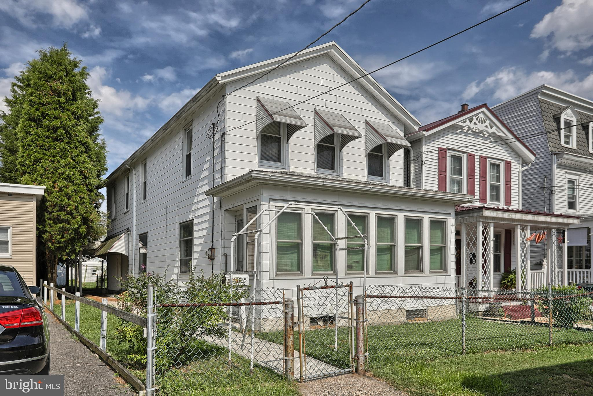 35 S NICHOLAS STREET, SAINT CLAIR, PA 17970