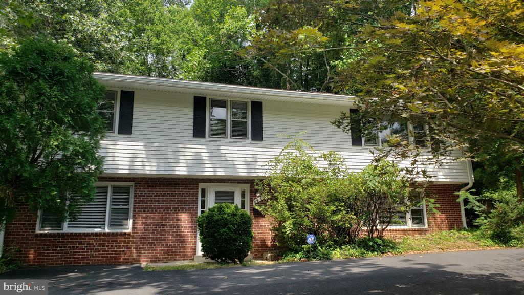 6916 Churchill Rd, McLean, VA 22101