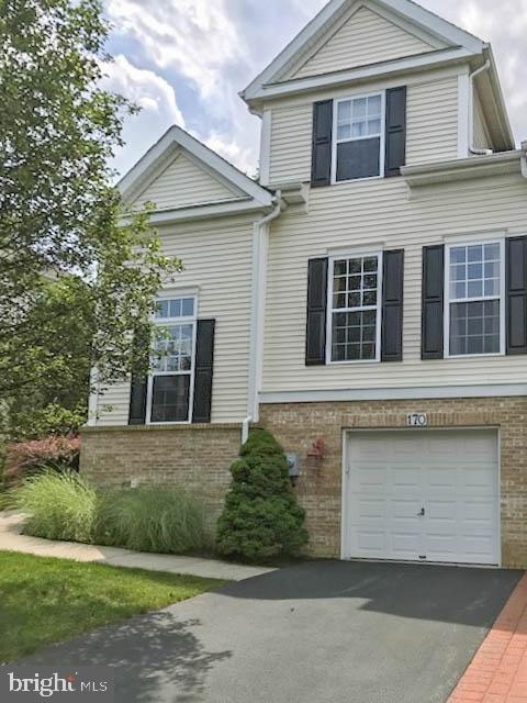 170 AUGUSTA TERRACE, EASTON, PA 18042