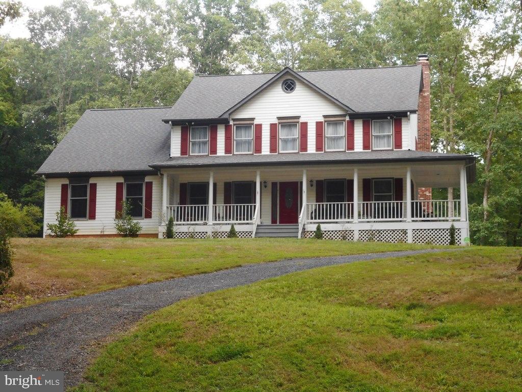 325 Queen Anne Dr, Fredericksburg, VA, 22406