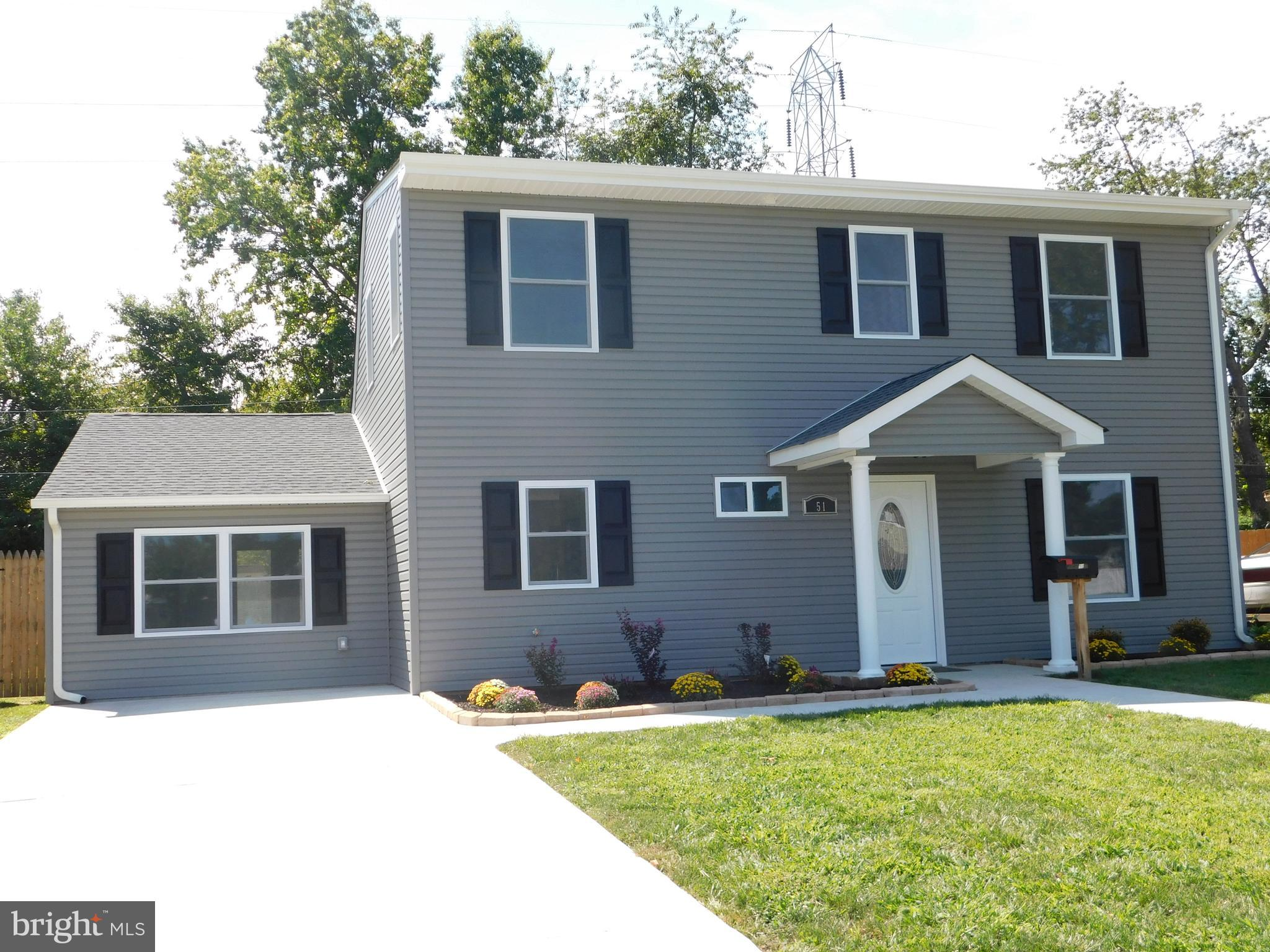 51 NEW SCHOOL LANE, LEVITTOWN, PA 19054