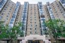 5904 Mount Eagle Dr #516
