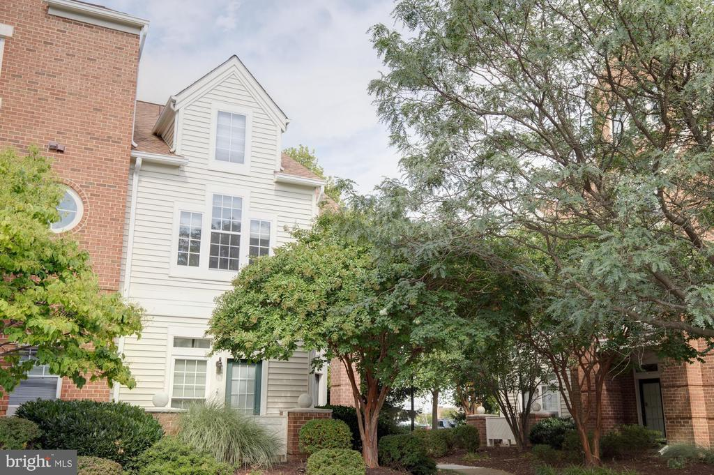 6867 Brindle Heath Way #172, Alexandria, VA 22315