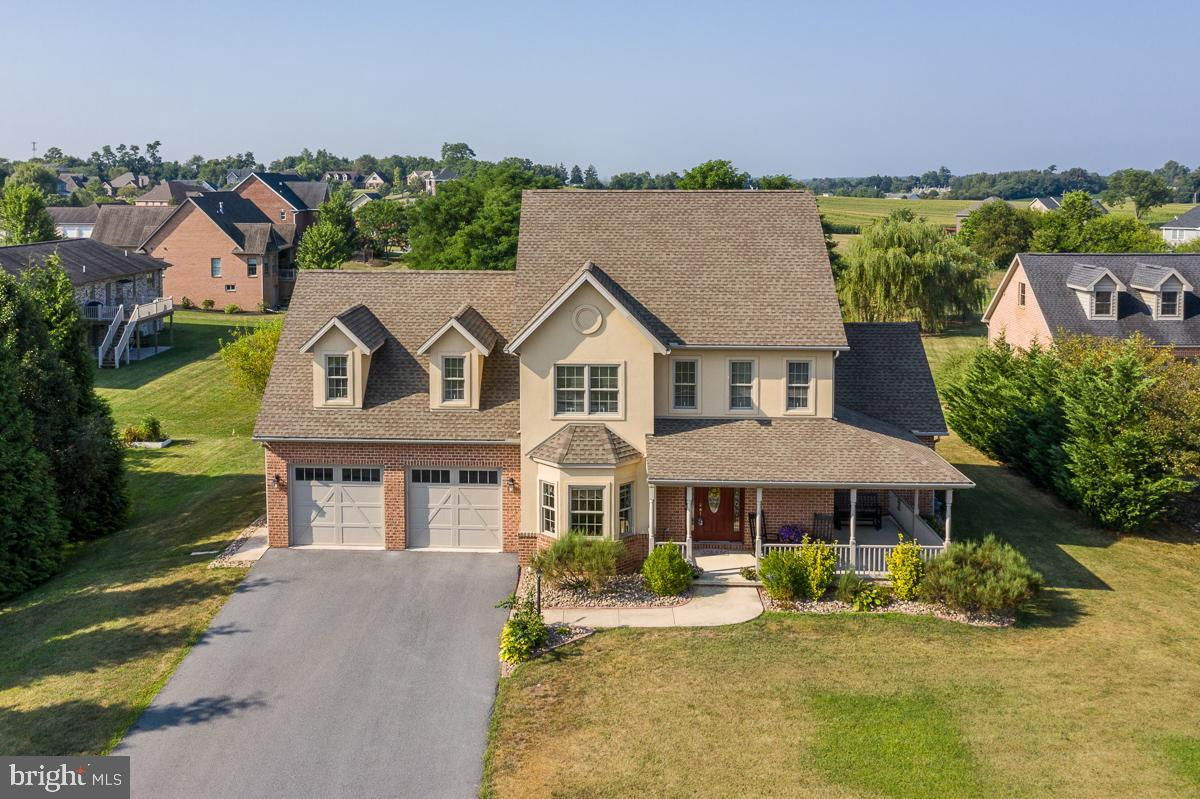 110 CAROWINDS DRIVE, GREENCASTLE, PA 17225