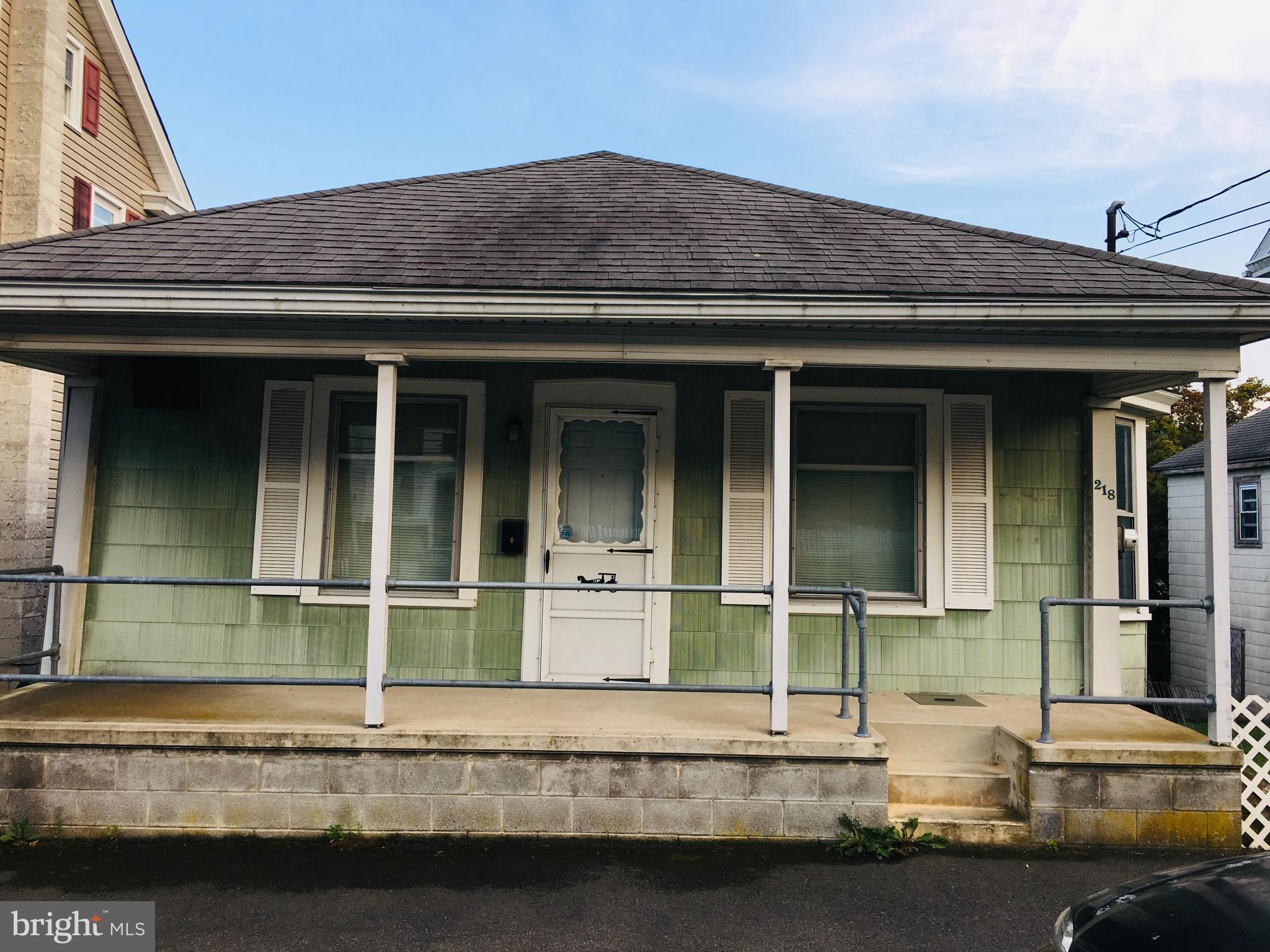 218 E BROAD STREET, WILLIAMSTOWN, PA 17098