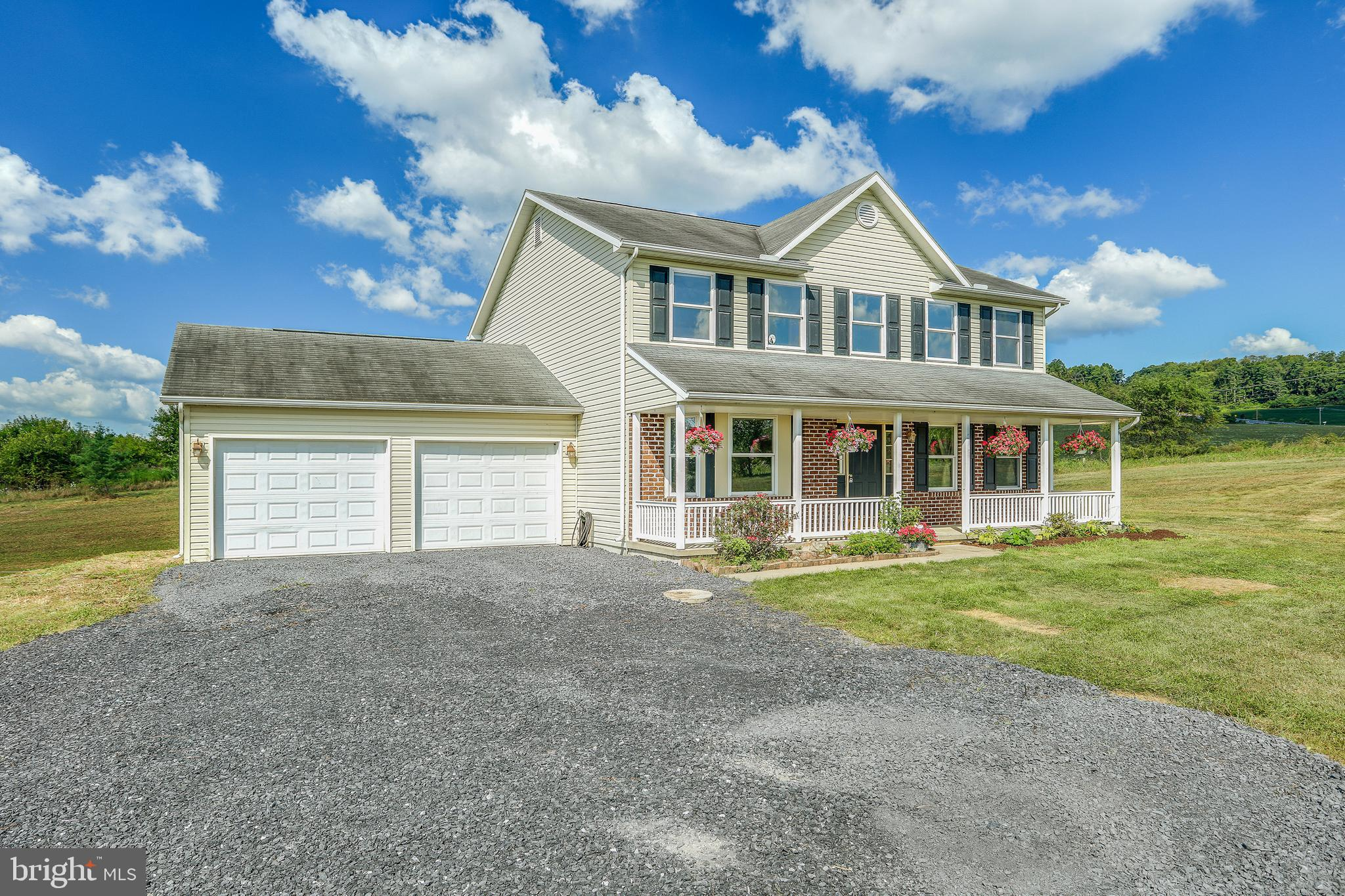 660 VETERANS WAY, ELLIOTTSBURG, PA 17024