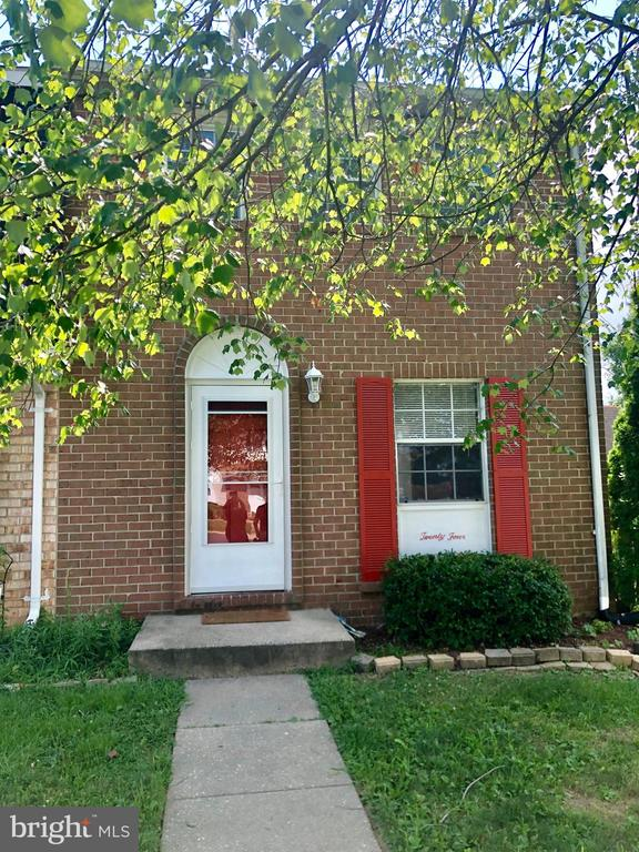 Spacious 3 bedroom townhome in the Kings Court neighborhood of Rosedale located just off Rt 7. The main level boasts new luxury vinyl wood flooring throughout with new carpet throughout the upper-level bedrooms. Finished basement offers additional living space plus a full-sized washer/dryer for added convenience. Huge fenced yard with storage shed! Pets welcome with additional deposit.Proof of renters insurance required.Application Qualifications: minimum income 3 times the monthly rent, no evictions or recent filings, current accounts in good standing, and a clean criminal background check.
