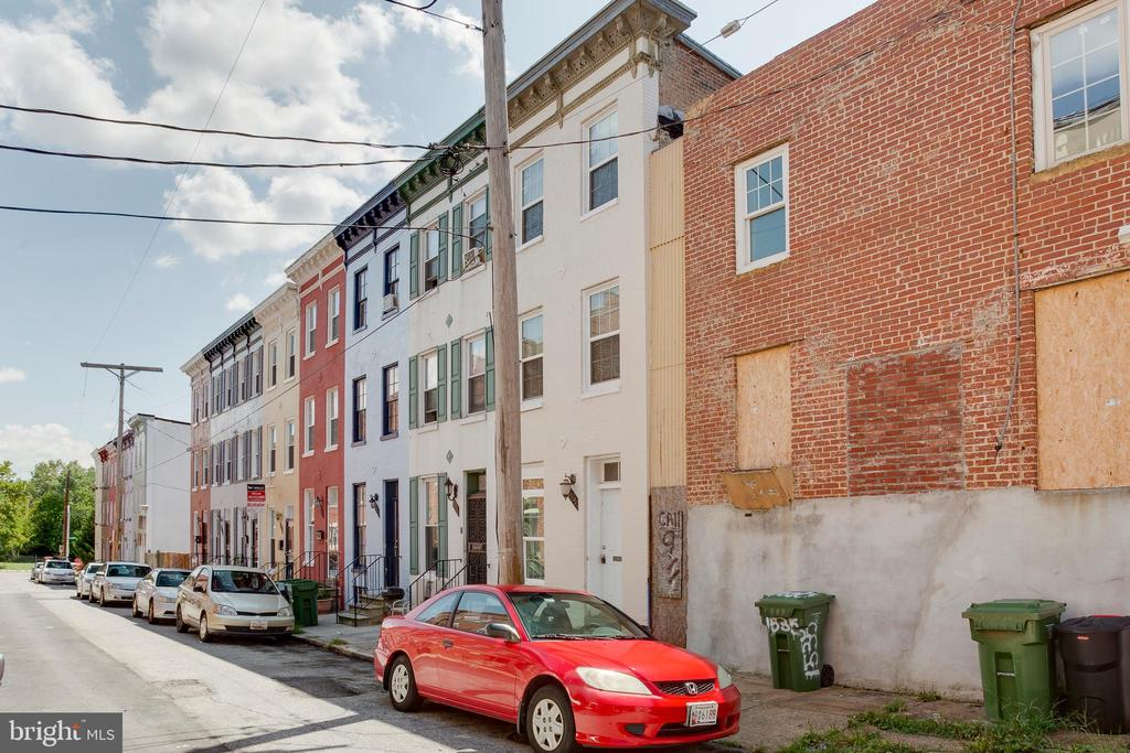 Investor Special! Property can be purchased individually or as package. Other 3 properties: 336 S. Stricker St. Baltimore, MD 21223, 11 N. Gilmor St. Baltimore, MD 21223, & 1707 W. Baltimore St, Baltimore, MD 21223