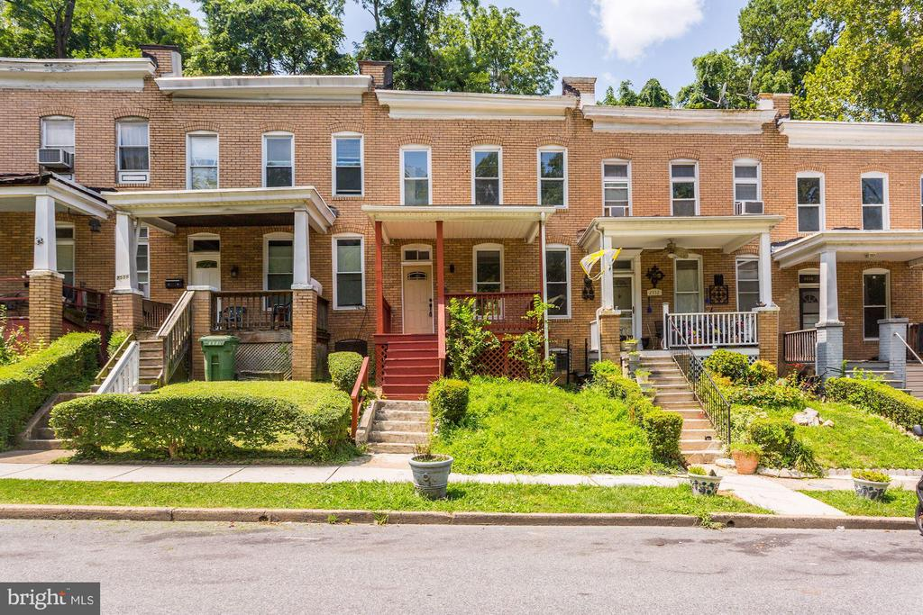 Amazingly upgraded home!  Stainless steel appliances, upgraded floors, beautiful cabinets and counters, modern light fixtures, gleaming hardwoods, and a fully finished basement!  Credit scores must be 660+.  Apply today