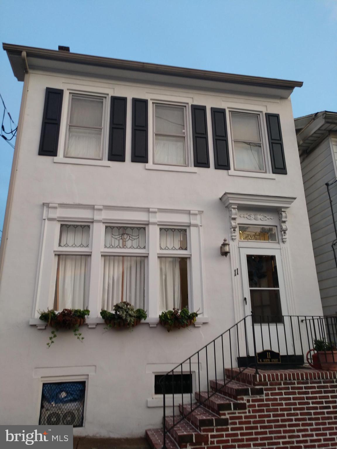 11 W NORTH STREET, BETHLEHEM, PA 18018