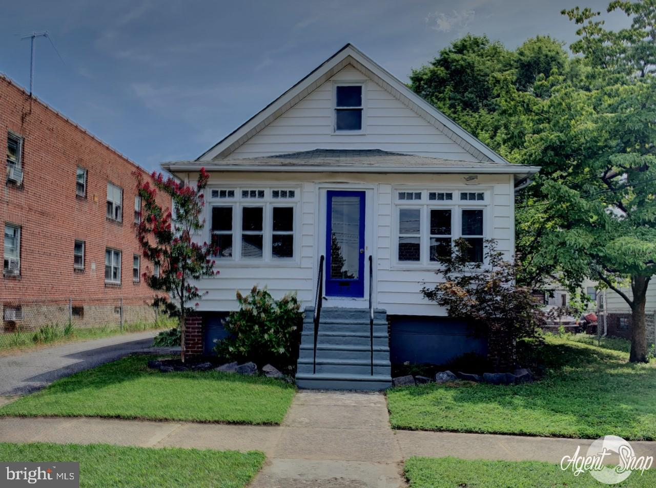 218 TAYLOR AVENUE, ESSINGTON, PA 19029