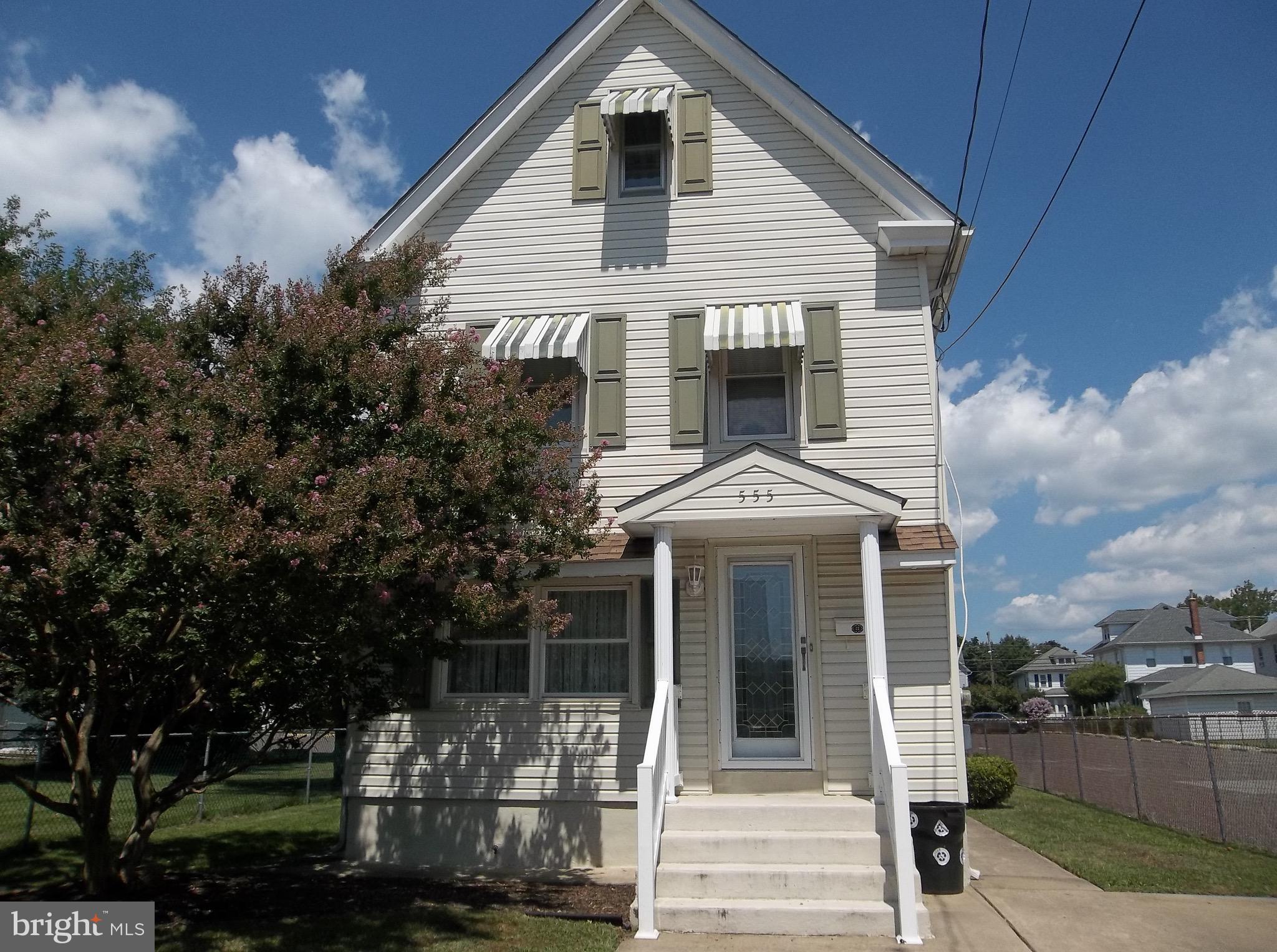 555 JEFFERSON STREET, GIBBSTOWN, NJ 08027