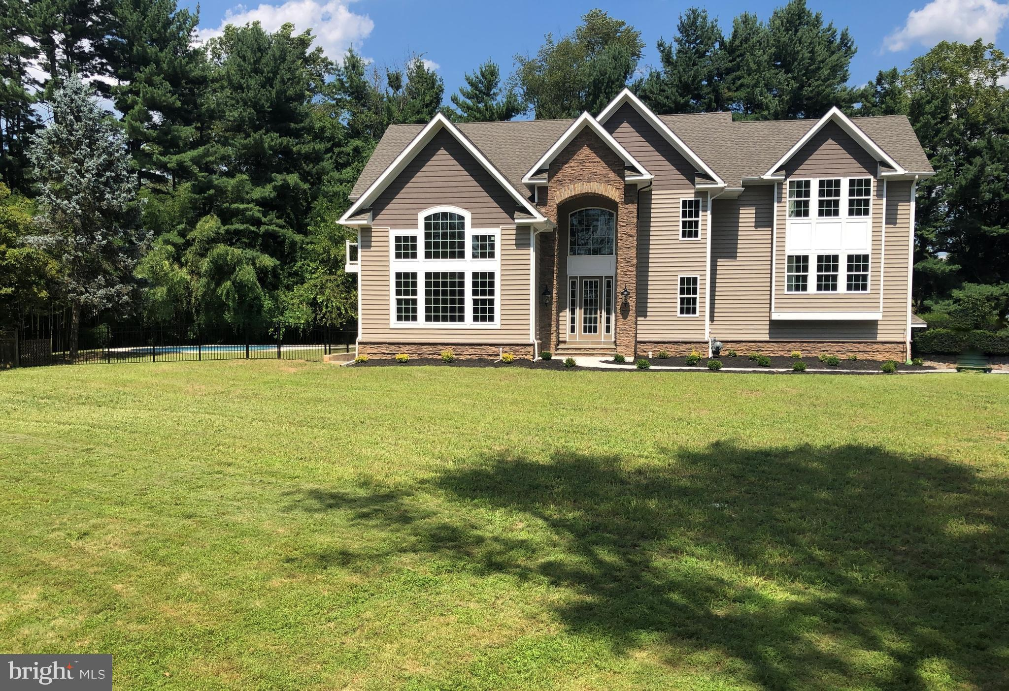 593 NEWELL DRIVE, HUNTINGDON VALLEY, PA 19006
