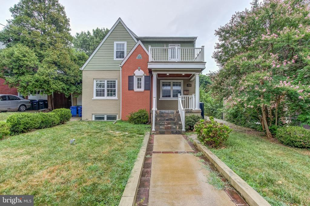 Charming cottage located just minutes from Capitol Hill on Pennsylvania Ave. This lovely home offers 4 bedrooms and 3 full bathrooms, two fireplaces, wood floors, granite counters, stainless steeling appliances, dual-zoned HVAC, and garage parking.
