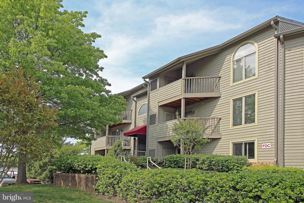 2100  CHESAPEAKE HARBOUR DRIVE  T-2, Annapolis in ANNE ARUNDEL County, MD 21403 Home for Sale