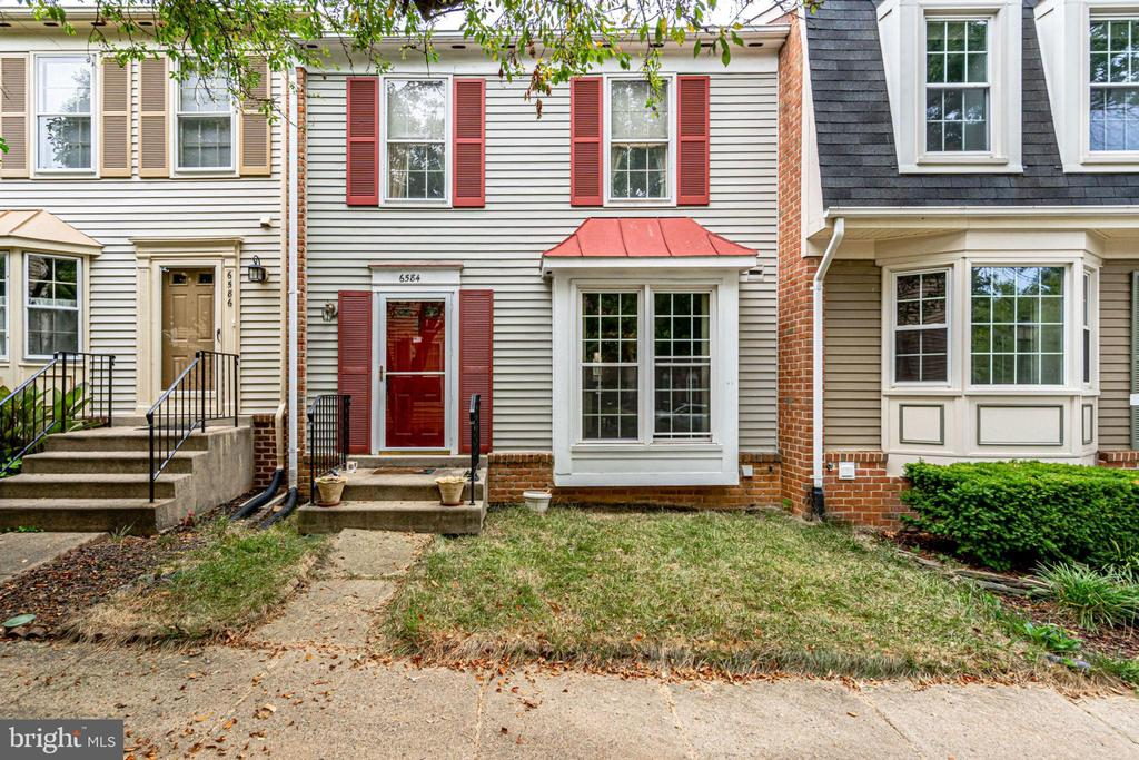 6584 Sand Wedge Ct, Alexandria, VA 22312
