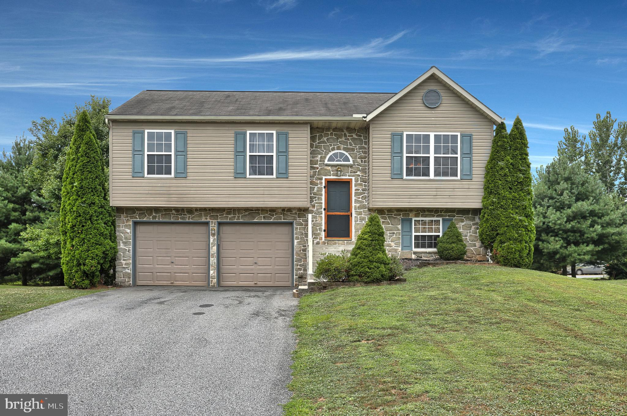 109 SKIPJACK WAY, BAINBRIDGE, PA 17502
