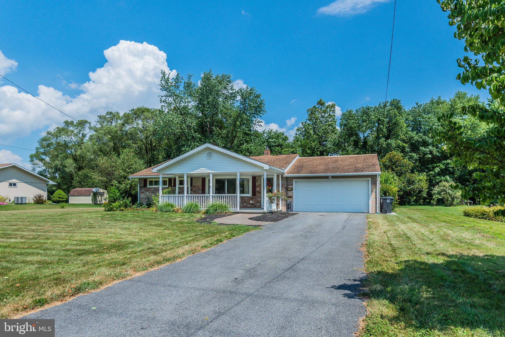 100 MCLAND ROAD, MOUNT HOLLY SPRINGS, PA 17065