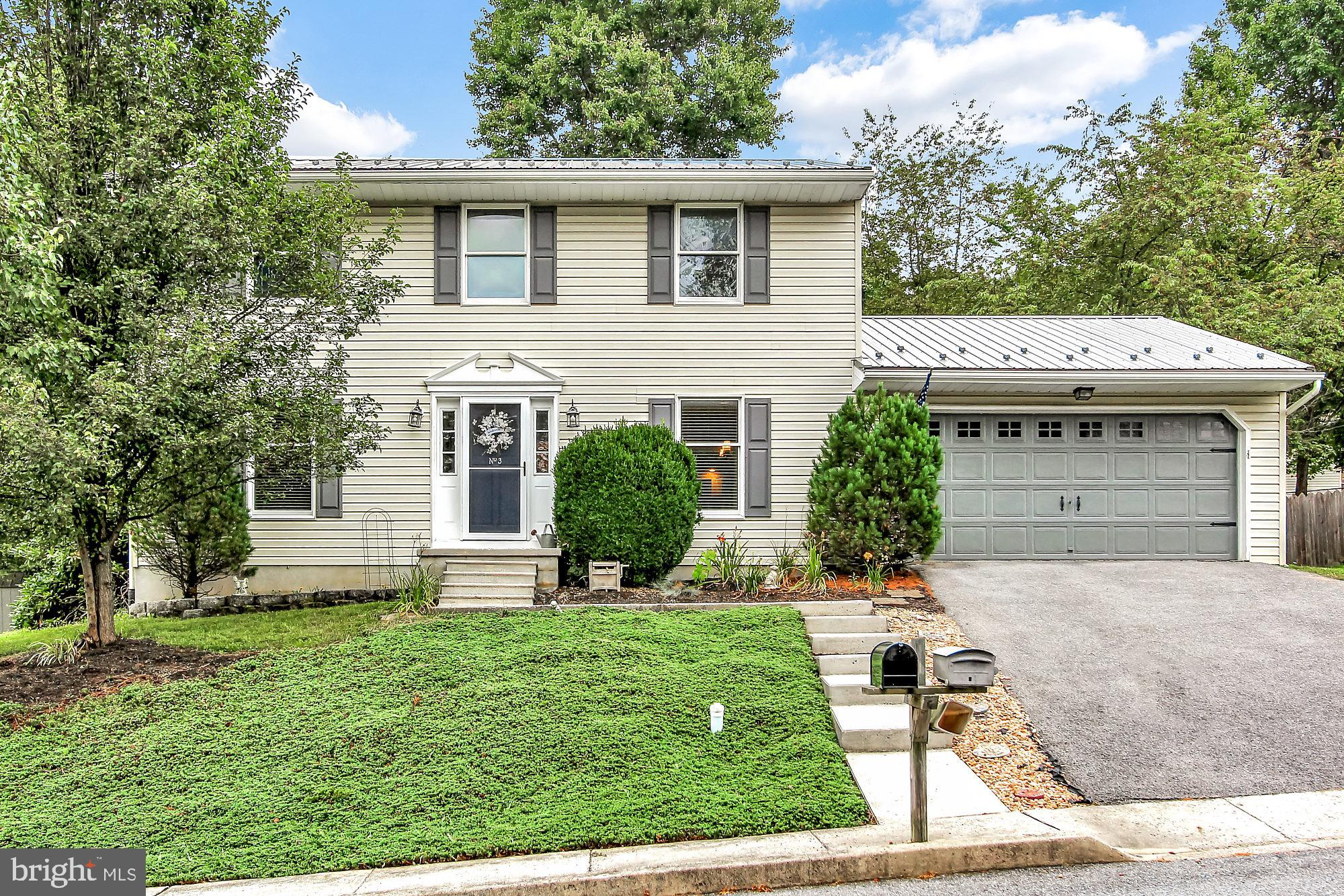 3 LIBERTY DRIVE, MOUNT HOLLY SPRINGS, PA 17065