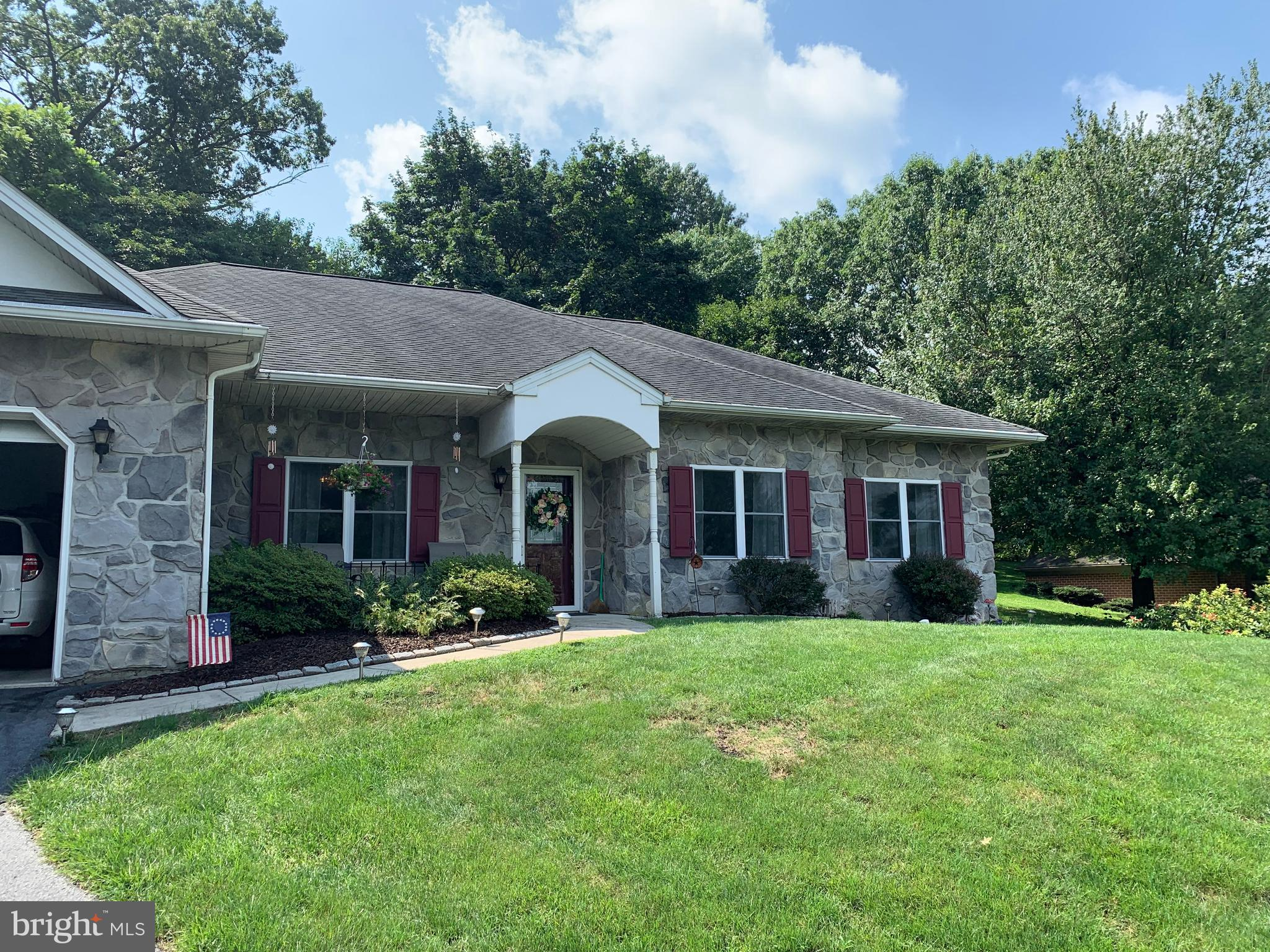 210 MAPLE DRIVE, NEW HOLLAND, PA 17557