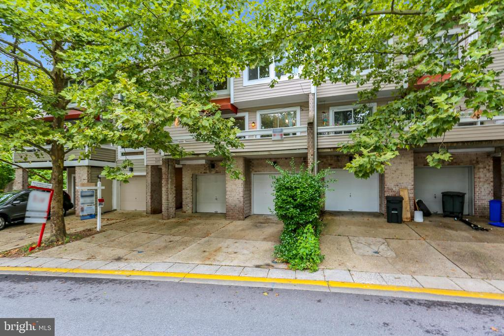 9867  LAKE SHORE DRIVE, Gaithersburg in MONTGOMERY County, MD 20879 Home for Sale
