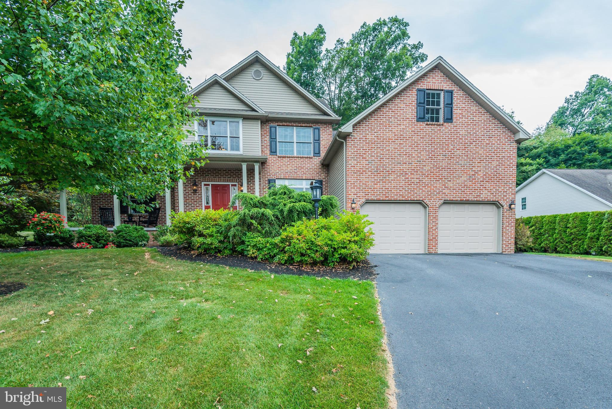9 HICKORY COURT, BOILING SPRINGS, PA 17007