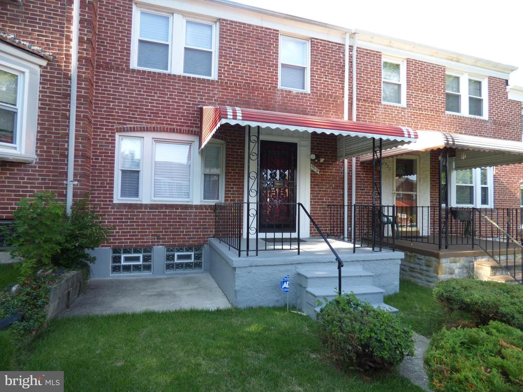 Motivated Seller. A well kept three bedroom home with new paint, restored floors, new carpet and Up to $30,000 in grant money available. Seller help/credit at your wish. Bring me an offer and lets talk. Did I mention motivated seller?