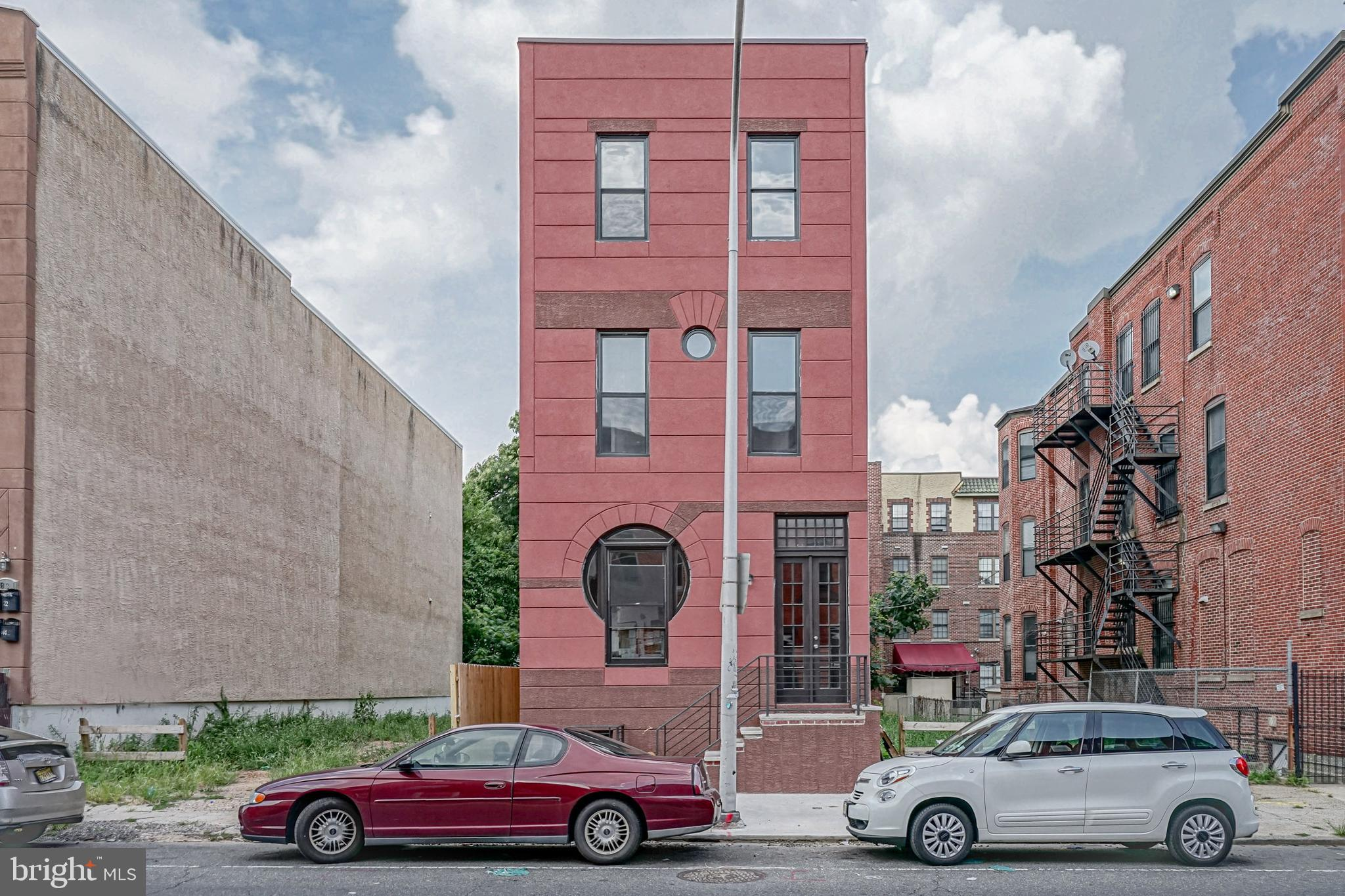 1827 W DIAMOND STREET, PHILADELPHIA, PA 19121