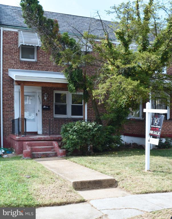 """Great opportunity to build an investment portfolio or simply own just for you! Great location! In walking distance from Metro and public transportation! In close proximity of Higher Education facilities. Close to Hanlon Park. Hardwood floors throughout, ceramic tile in kitchen. """"Sold As Is"""". Needs work and TLC."""