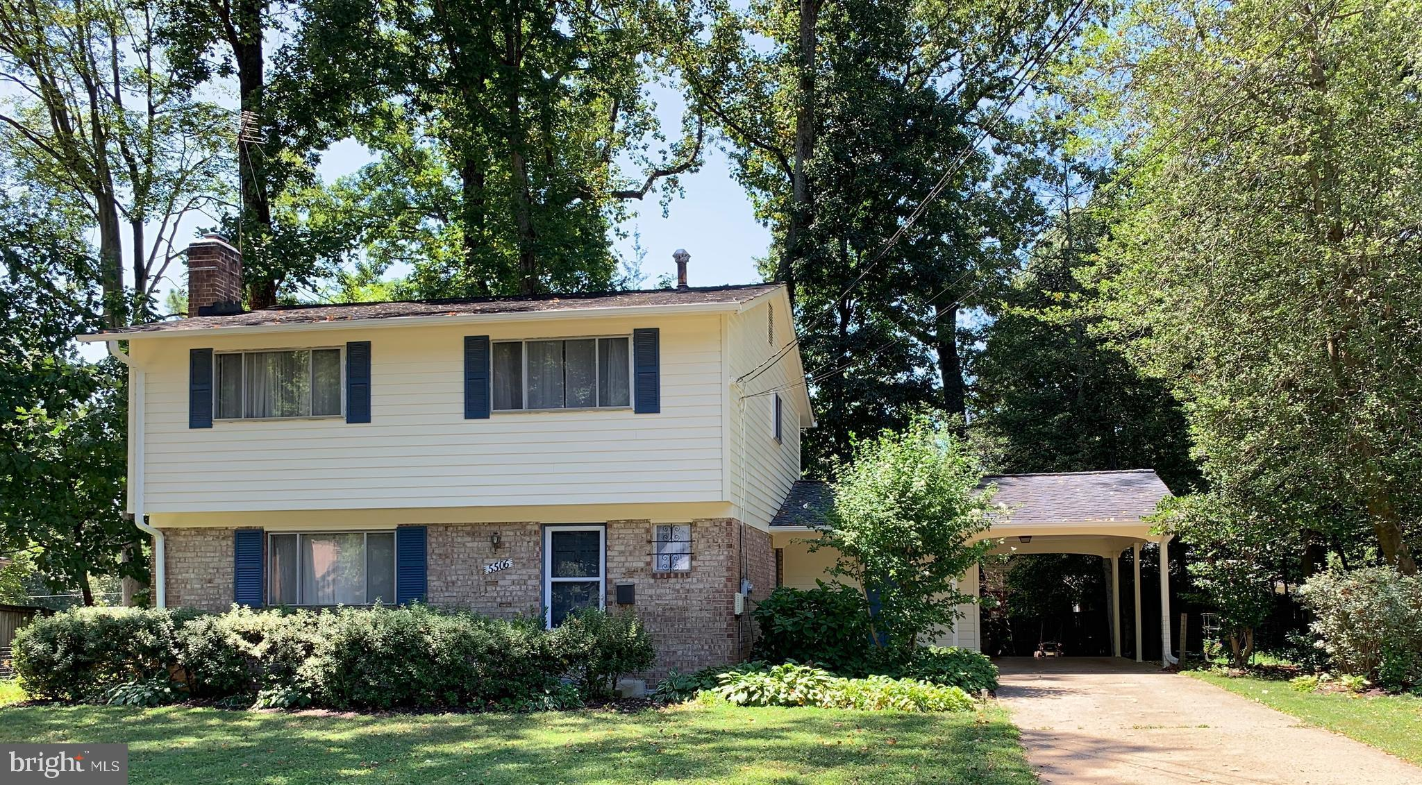 $10,000 Reduction! Charming 4 bed, 2 and a half bath Queen Model colonial in highly sought Kings Park neighborhood. Remodeled kitchen includes SS appliances and granite counter tops. Hardwood floors throughout main and upper level bedrooms. Upstairs Master equipped with full en suite bath. Freshly painted finished basement with stainless steel-lined fireplace.  Screened-in back patio for you to enjoy.  Move-in ready or make it your own!
