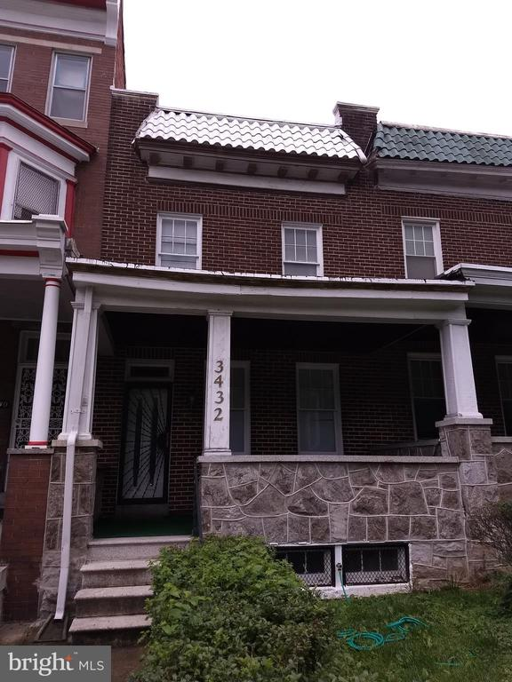 Must see 3 BR 2BA home across from Druid Hill Park. Beautiful park views, rear parking pad, fenced yard, front porch, hardwood floors, freshly painted, new windows, washer dryer hook up.  Near shopping, schools and recreational facilities. Easy access to I83 which allow easy access to downtown Baltimore, points north and I695.