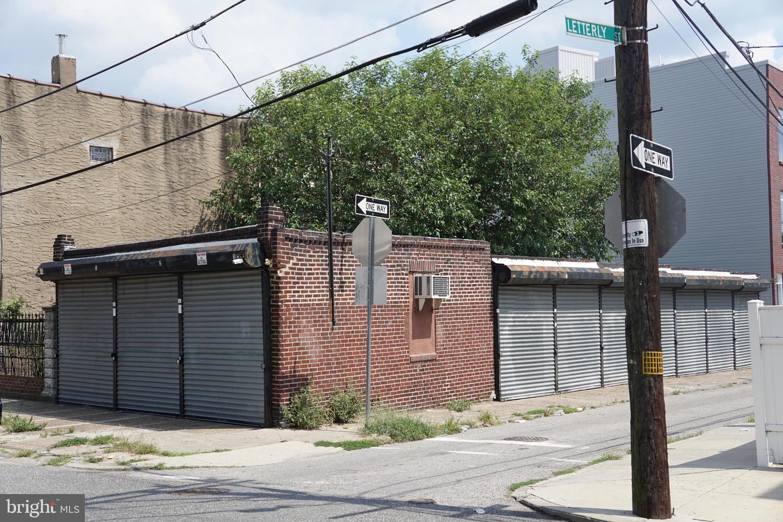 2461 Almond Street Philadelphia, PA 19125