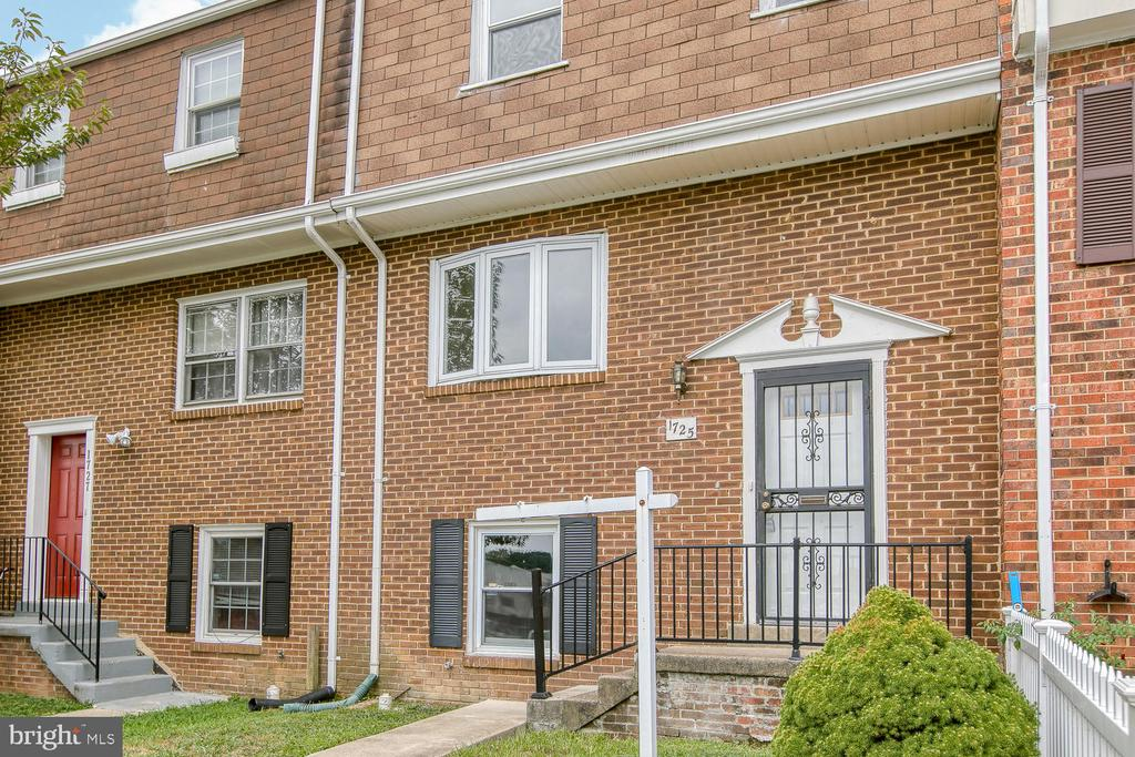 1725 Fort Henry Ct