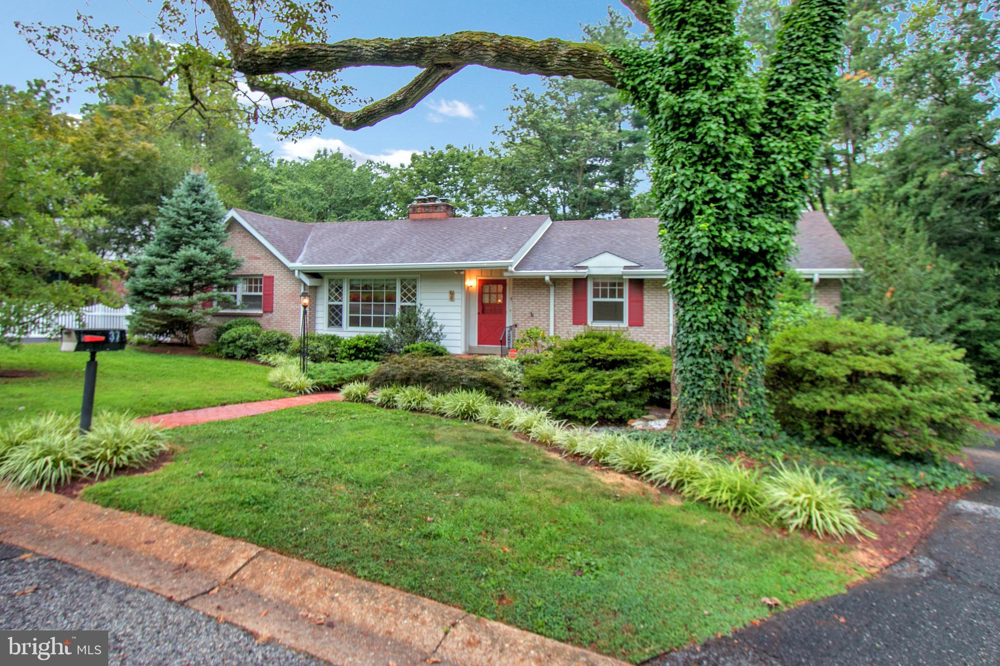 37 RIDGEWOOD CIRCLE, WILMINGTON, DE 19809