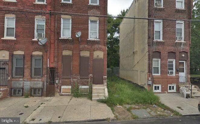 927 W York Street Philadelphia, PA 19133