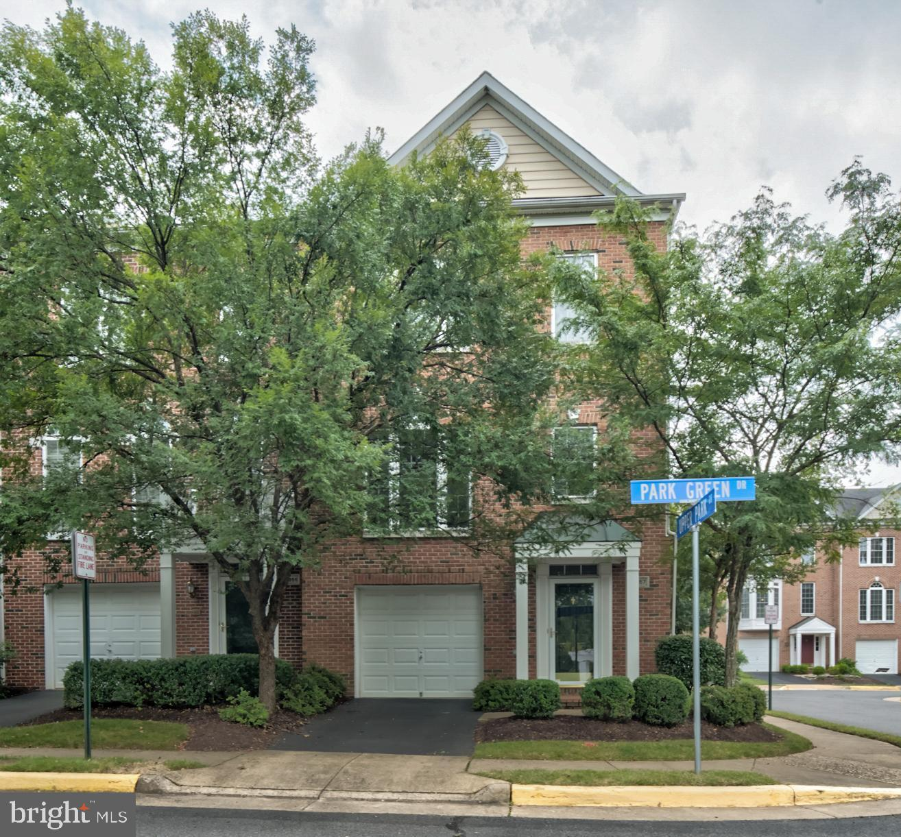 11657 PARK GREEN Dr, Fairfax, VA, 22030