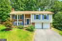 6903 Shackle Pl