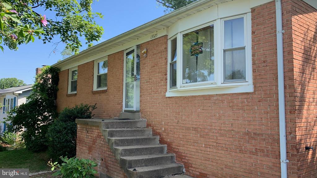 Generously sized brick Rambler in Woodbridge! Situated on a quiet residential street with a large backyard, this home is ready for your vision! Think of this house as your canvas and make it into a masterpiece! Great bones and ready for your vision! Only 12 minutes to Potomac Mills and 15 minutes to 95!