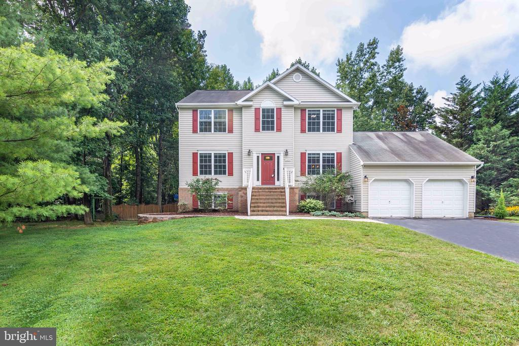 One of Annapolis 5 Bedroom Homes for Sale at 613  YORKTOWN MANOR COURT
