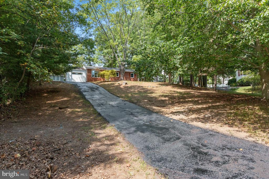 Photo of 3612 Lions Field Rd