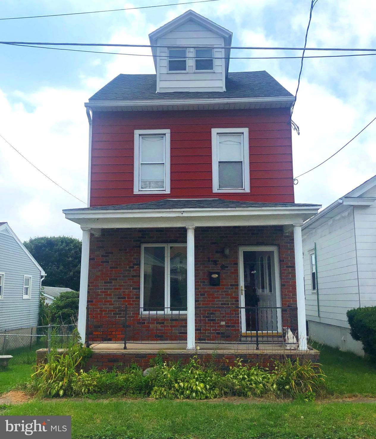 142 S WYLAM STREET, FRACKVILLE, PA 17931