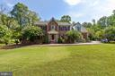 6812 Springfield Dr