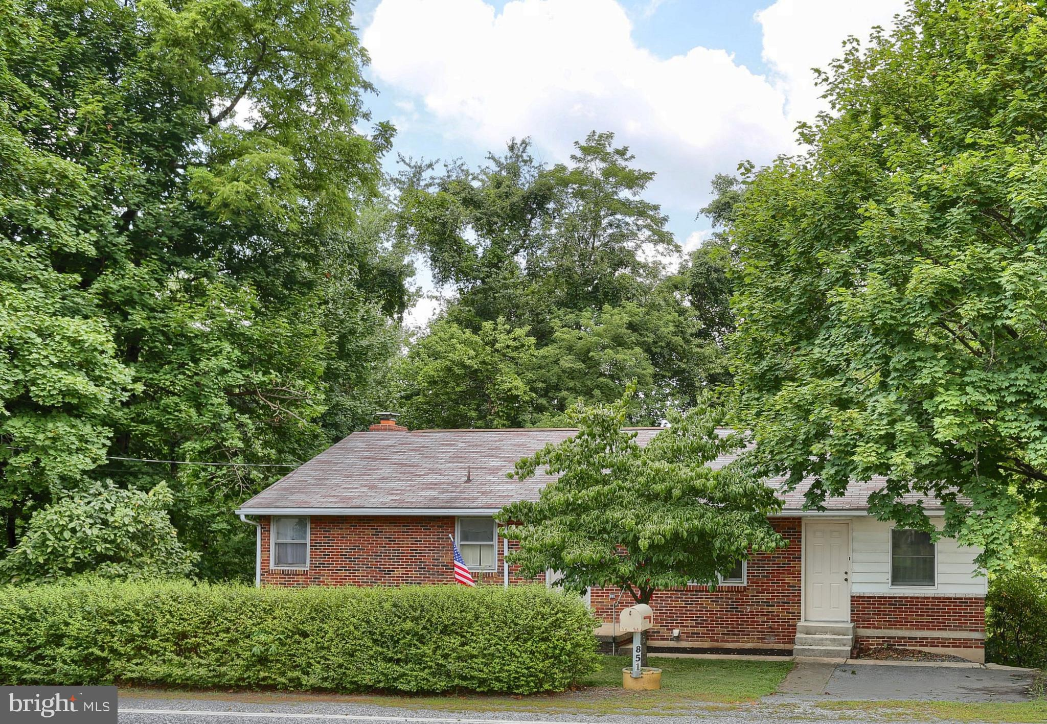 851 LEWISBERRY ROAD, LEWISBERRY, PA 17339