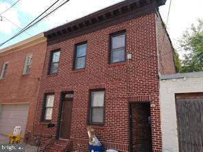 Spacious 2nd floor one bedroom unit in the rear of 106 S. Patterson Park big house. ?Washer and Dryer on site