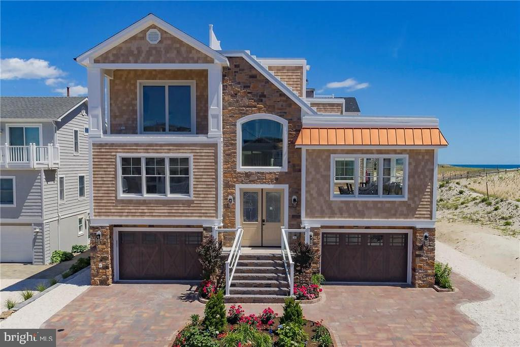 211  LEEWARD AVENUE, Long Beach Island, New Jersey