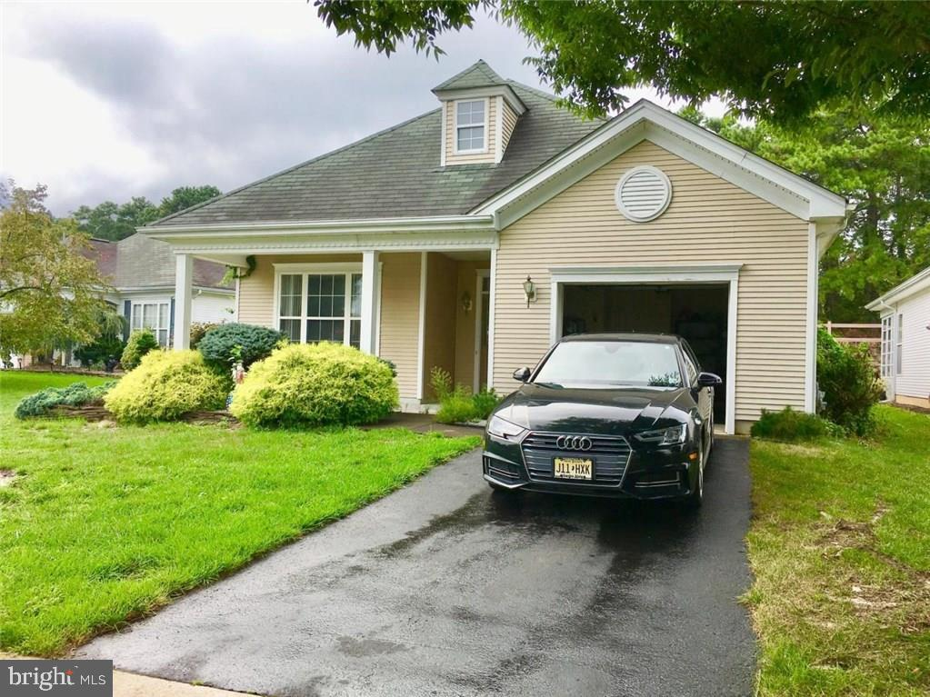 40 GOLDENSPRINGS DRIVE, LAKEWOOD, NJ 08701