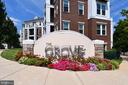 2465 Army Navy Dr #1-206